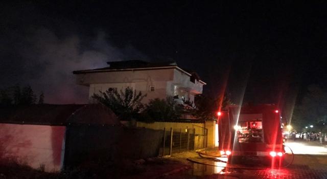 Antalya'da villada çıkan yangın söndürüldü