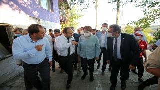 İYİ Parti Genel Başkanı Akşener, Adana Aladağ'daki orman yangınında zarar gören alanları inceledi: