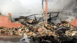 Hatay'da Sünger Fabrikasında Yangın Çıktı