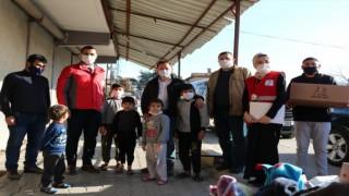Kızılay Hatay'da İhtiyaç Sahiplerine Alışveriş Kartı Ve Çocuk Eğitim Kiti Dağıttı